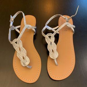 Unisa T-strap silver sandal size 9.5